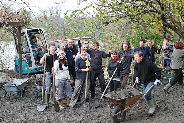 Set and Achieve Volunteer Participation Goals