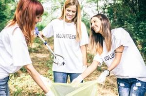 volunteers_trash_pickup